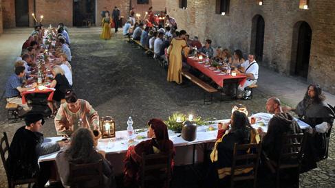 Cena-medievale-palio-10-comuni